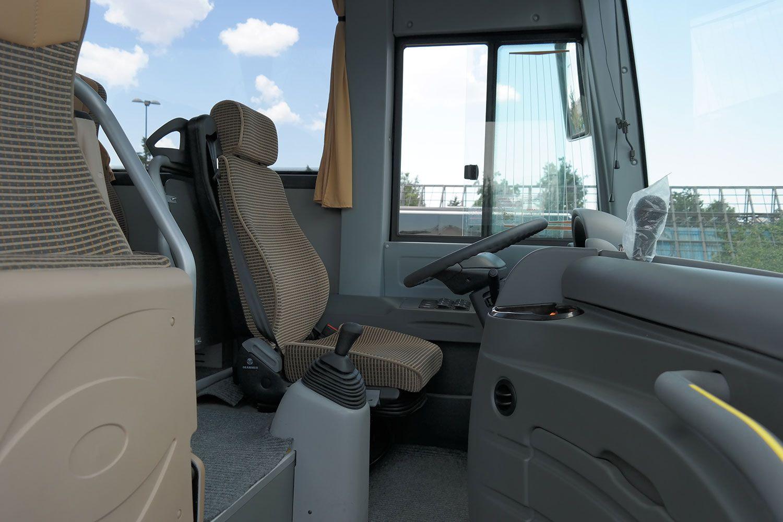big_6_isuzu-06-2 Rent a Midibus 27 seats