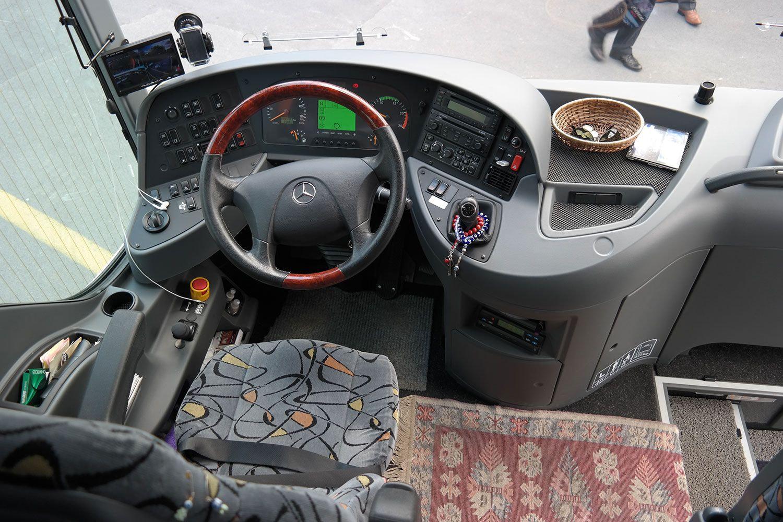 mercedes-03 Benz Sprinter 12 seats