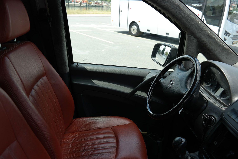 vito-mercedes-06 Benz Vito with Guide-Driver