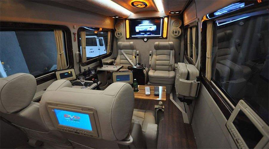 realprivatetours-ultra-luxu Benz Sprinter 12 seats